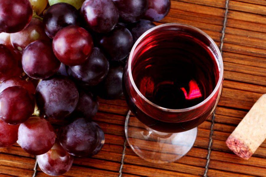 ¿Qué es un vino varietal y monovarietal?