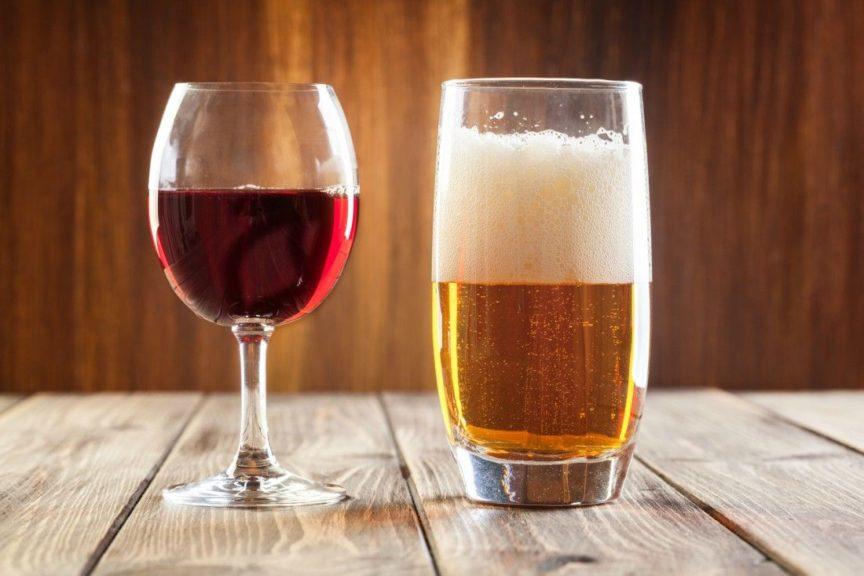 ¿Qué tiene más calorías una cerveza o una copa de vino?