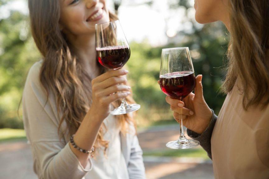 ¿Beben vino los jóvenes?
