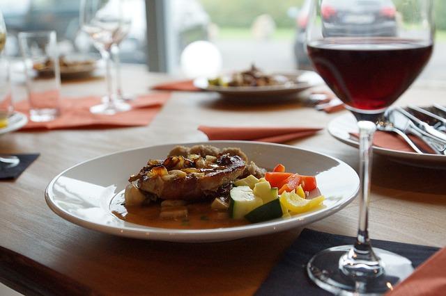 La relación entre gastronomía y vino