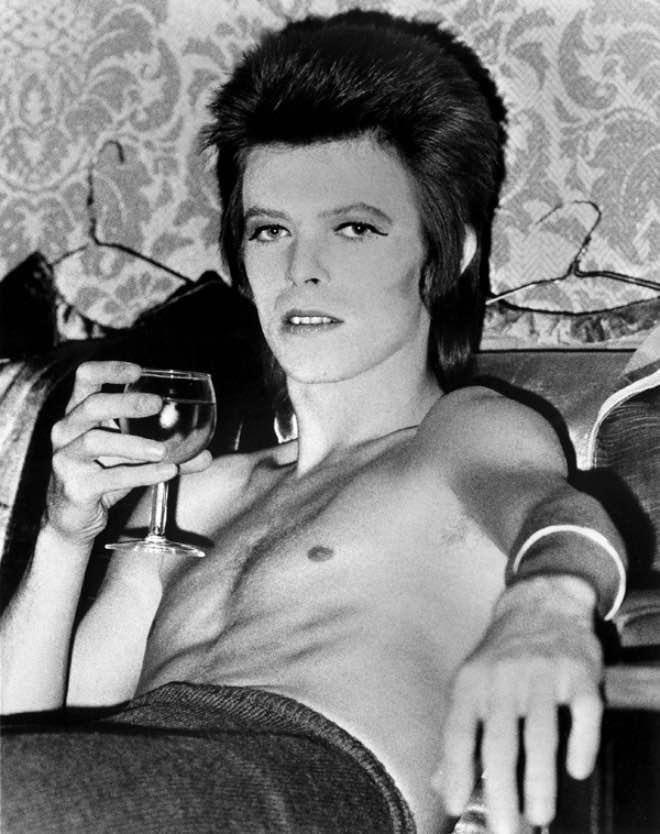 Canciones de David Bowie y vino