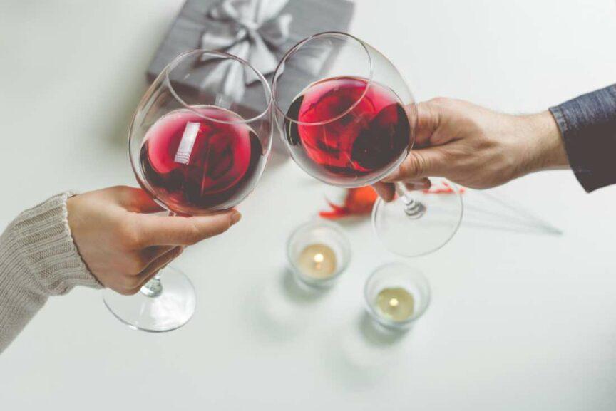 ¿Qué puedo regalar a un amante del vino?