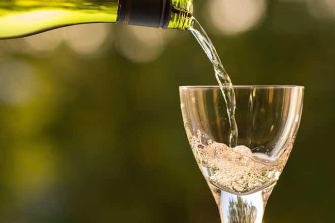 Enfermedad de la luz en el vino blanco y champagne