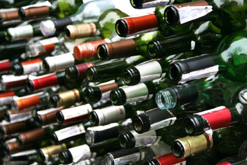 ¿Cómo reciclar tus botellas de vino?