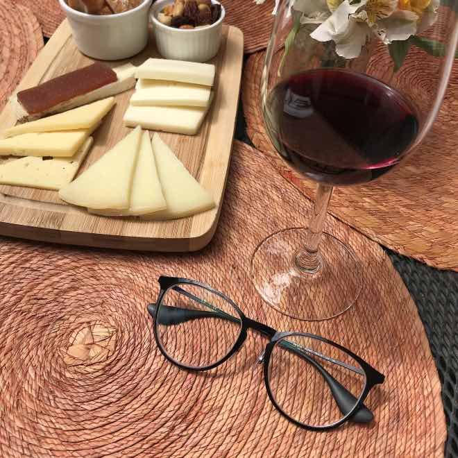"""Relación de """"que no te la den con queso"""" con el vino"""