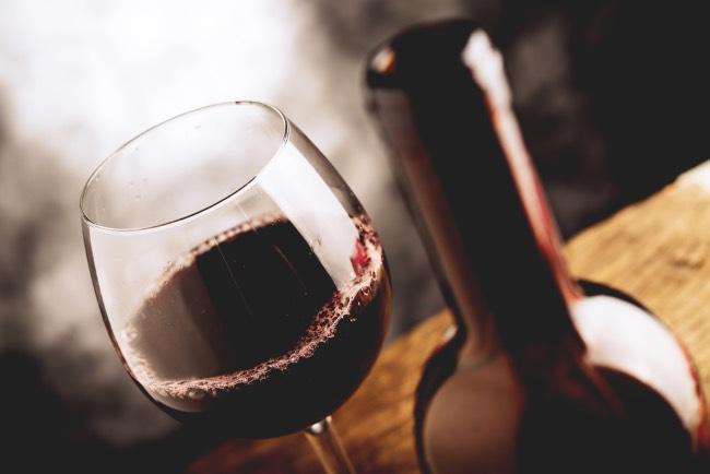 Cómo saber la cantidad de vino para llevar a una cena