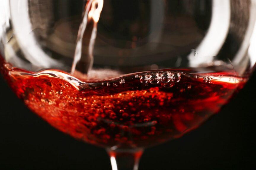 Fermented Fashion: ropa fabricada con vino
