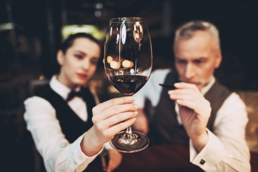 ¿Quieres llegar a ser un sumiller? Consejos para inciarse en el mundo del vino