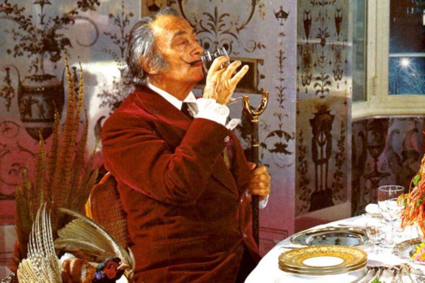 Aprendiendo sobre vinos con Dalí