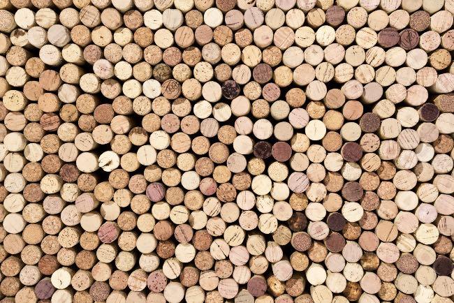 Historia del tapón de corcho del vino